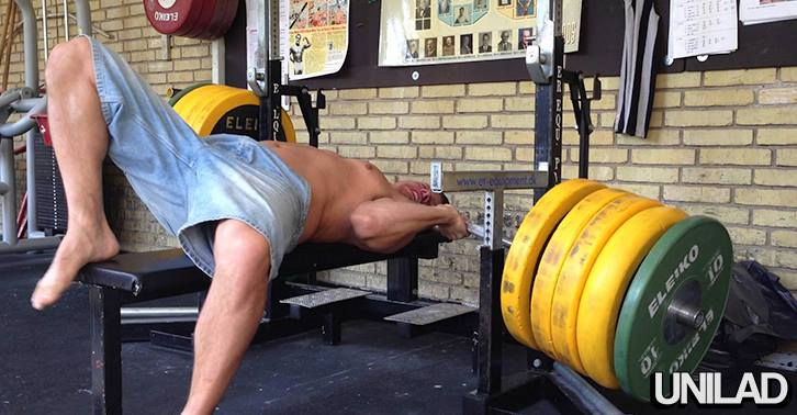 Meatheads Epic Bench Press Fail Almost Kills Him 10410849 10152783503040549 296920030675240987 n