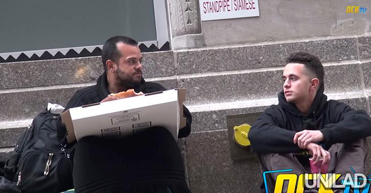 Homeless Man Shares The Same Pizza That Was Given To Him 10734173 10152790160340549 3717451498722048491 n
