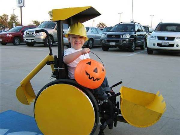 Parents Make Amazing Halloween Costumes For Their Disabled Kids McLelland 2