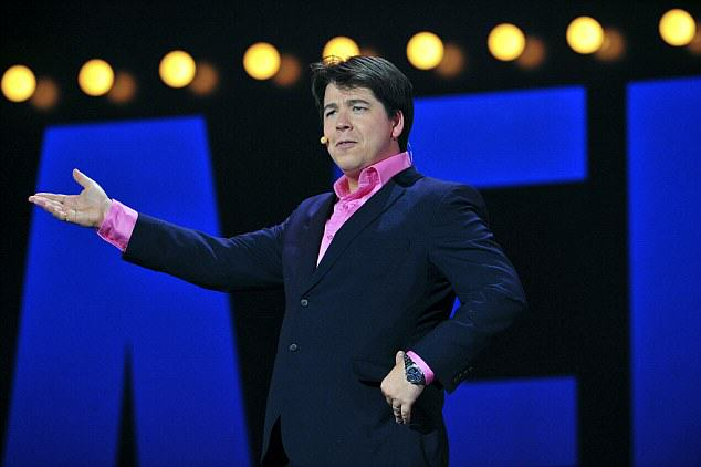 Michael McIntyre Storms Off Stage After Woman Refuses To Stop Using Phone article 2237195 0C216A70000005DC 271 634x422