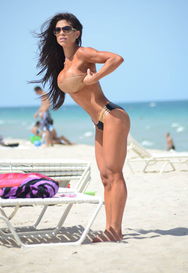 Michelle Lewin Might Just Have The Best Body Of 2014 la3