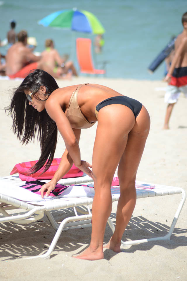 Michelle Lewin Might Just Have The Best Body Of 2014 michelle lewin heats up miami  2 1412255579
