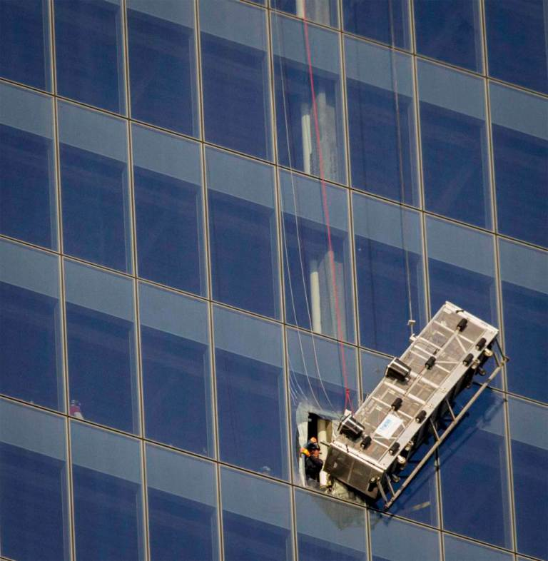 Window Cleaners Left Hanging 1800 Feet Up The One World Trade Center ad 151631228