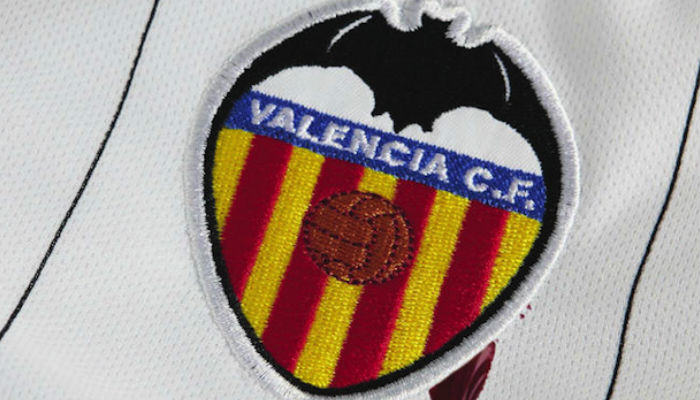 DC Comics Sues Valencia F.C. Over Use Of A Bat In Its Crest  batman sue web thumb