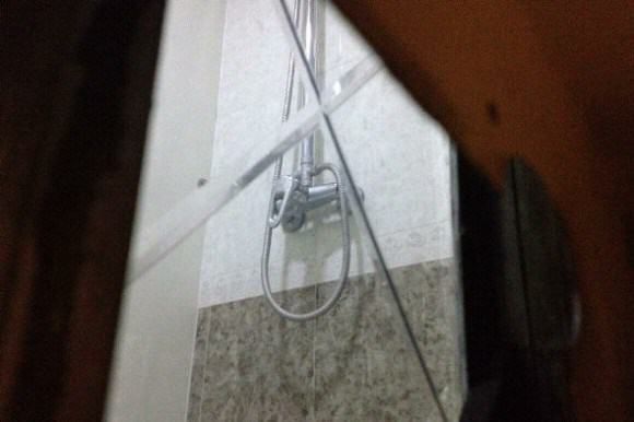 Perv Landlord Set Up Cam Behind Two Way Mirror, Spied On Female Tenants magicmirror1 e1415201893125