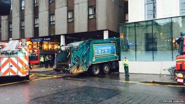 Kind Cabbie Offers Free Lifts To Those Affected By Glasgow Lorry Accident 79891664 05bf08fe 07d5 4a33 9513 0c07fc1e9bd5