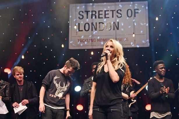 Ellie Goulding To Spend Christmas Helping The Homeless  PAY Ellie Goulding