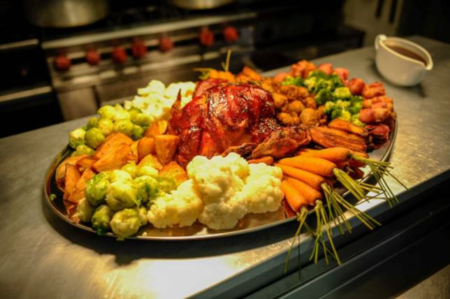 This Massive Christmas Dinner Is A World Record Holder ad 155240817 e1419416229101