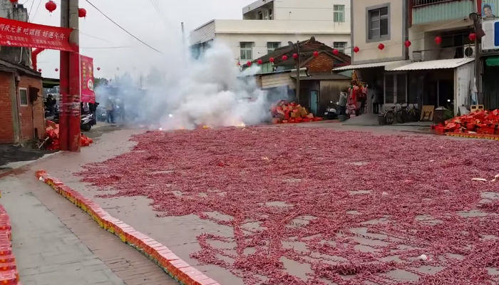 Chinese Set Off More Than A Million Firecrackers At Once crackers web thumb