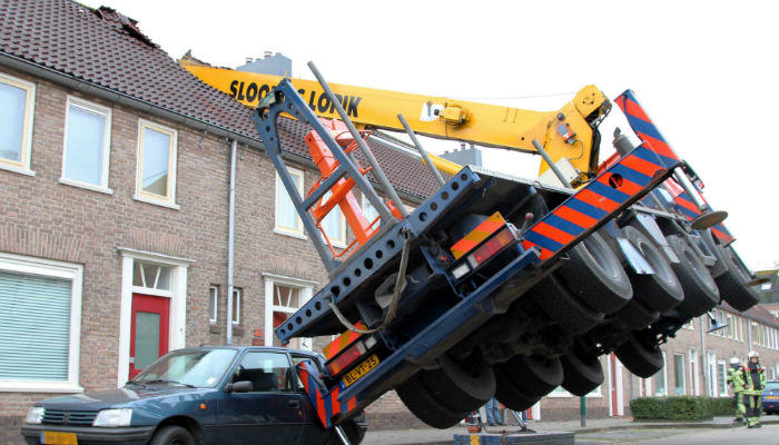 Lad Attempts Crazy Wedding Proposal But Wrecks His Neighbours House crane web thumb