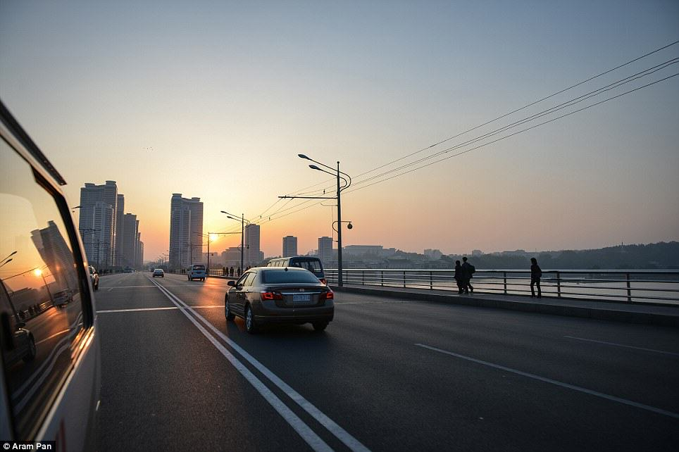 Photographer Visits North Korea Expecting Poverty And Unhappiness, Finds The Opposite article 2638213 1E49A65F00000578 861 964x642