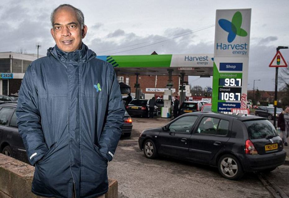 First Petrol Station In 5 Years To Sell Petrol For Less Than £1 petrol 2