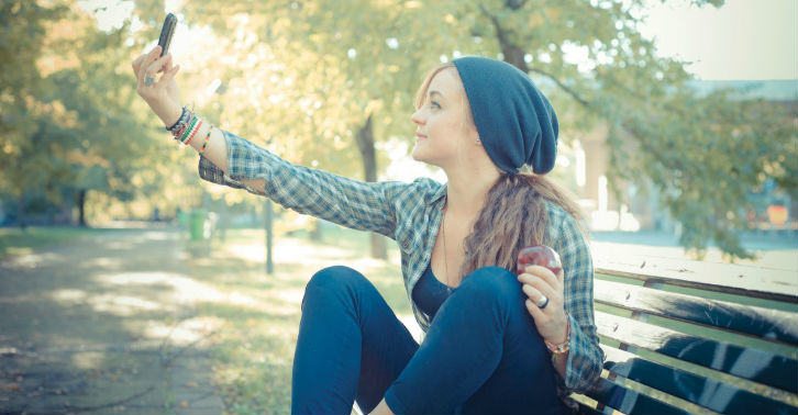 Learn How To Take The Perfect Selfie At A London College selfie fb thumb