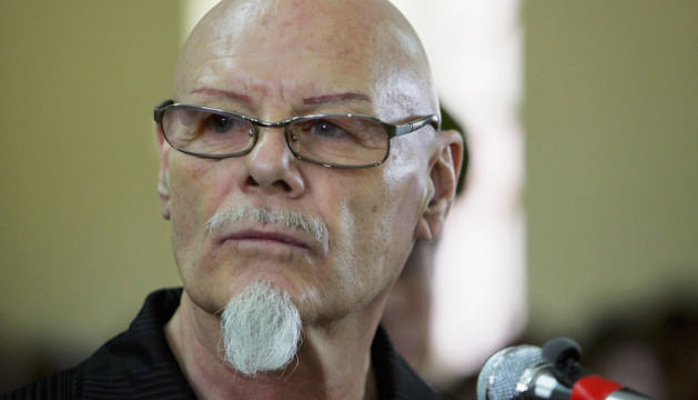 Gary Glitter Found Guilty Of Child Sex Offences, Blows Kisses To Courtroom 121028115724 gary glitter 2006 story top