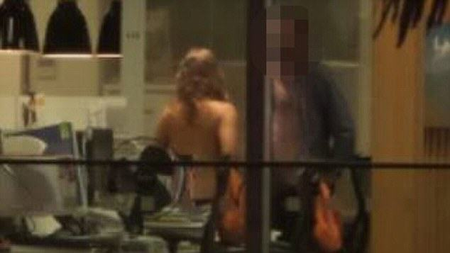 Man Has Sex With Office Girl, Photos Go Viral, Wife Sees Them On Facebook 254823BE00000578 2937370 Customers across the road at the Carlton Bar and Eatery got a fr a 71 1422981504597