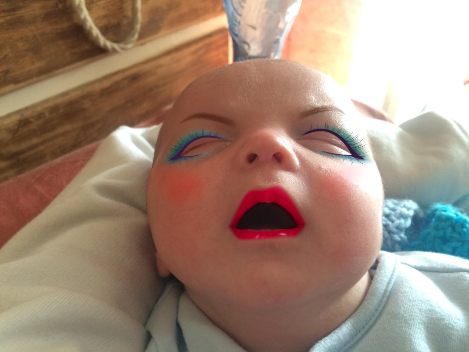 This Dad Used A Make Up App On His 7 Week Old Son 4