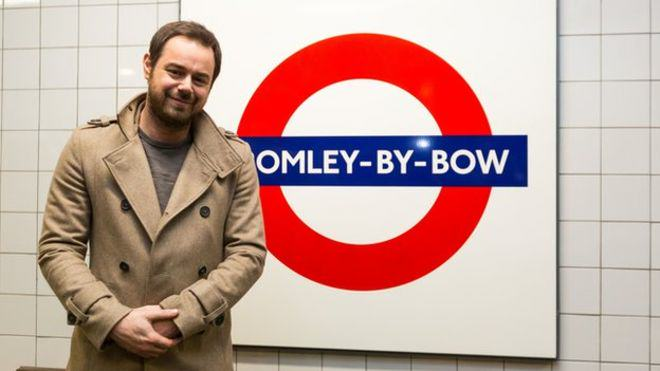 Mind The Gap You Mug! Danny Dyer Becomes Tube Announcer For A Day 81076551 pa dannydyersign