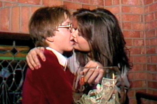 This Video Of Demi Moore Kissing A 15 Year Old Makes Me Uncomfortable demi