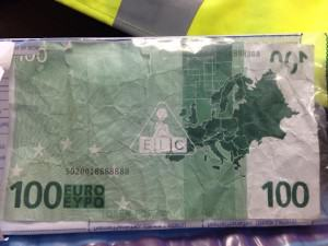 Kid Manages To Use Toy €100 Note In Northern Irish Sandwich Shop 100euro