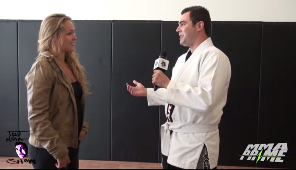 UFC Champion Ronda Rousey Serves Pain To A Shit Talker 22