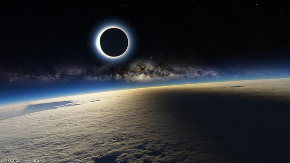 The Solar Eclipse Came And Went, The Internet Lost Their Sh*t CAhvsalXEAAcQlo