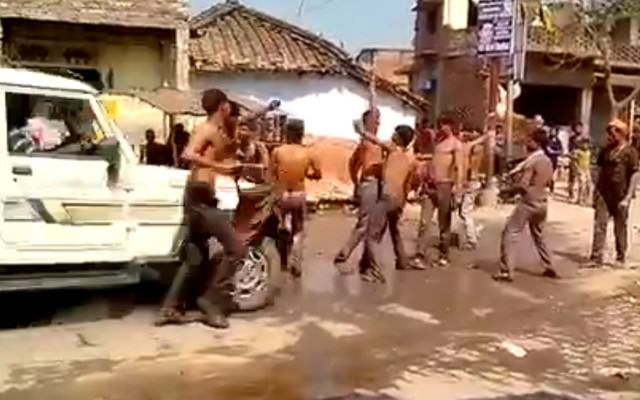 Driver Purposely Runs Over A Group Of Men Street Dancing India Website Thumb 640x400
