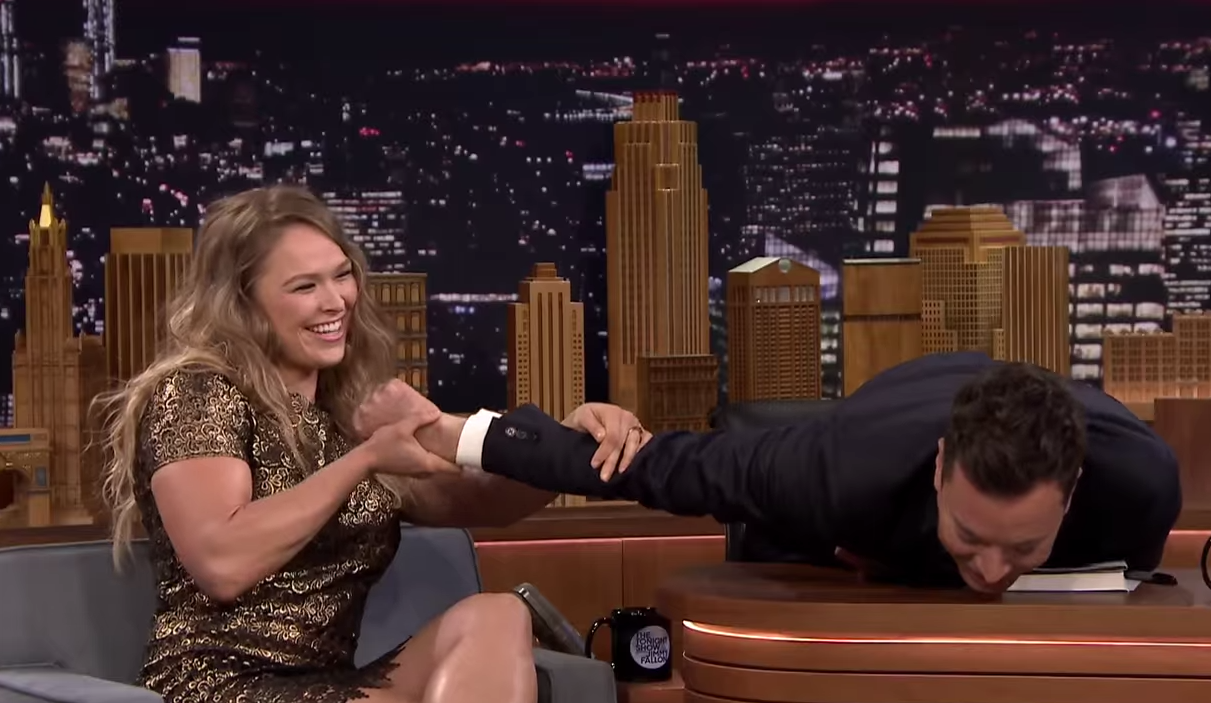 Ronda Rousey Demonstrates Her Infamous Armbar On Jimmy Fallon Screen Shot 2015 03 26 at 09.24.46