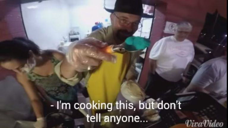 It Turns Out Heisenberg Is Now Cooking Hot Dogs In Brazil cook1
