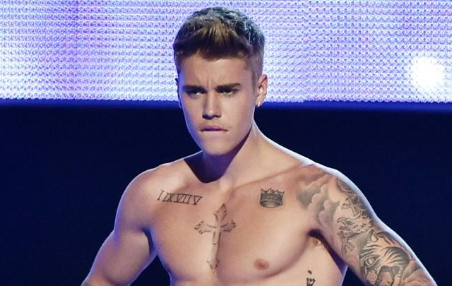 Justin Bieber Faces $1 Million Bill After Egging Neighbours House justin 640x405