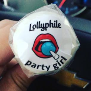 You Can Now Buy Breast Milk Lollipops To Suck On... Seriously lolly6