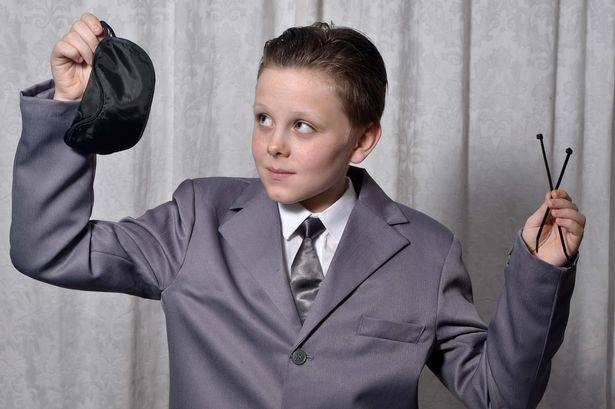 Year 7 Kid Banned From School For Wearing 50 Shades Outfit noy2