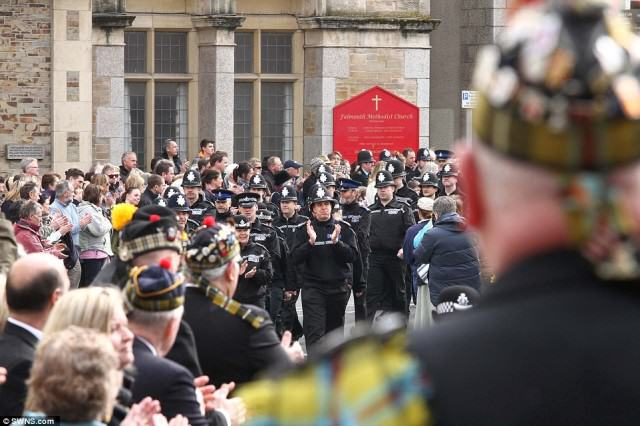 Hero Policemans  Death Sees Thousands Line The Streets For Final Beat Walk police 640x426