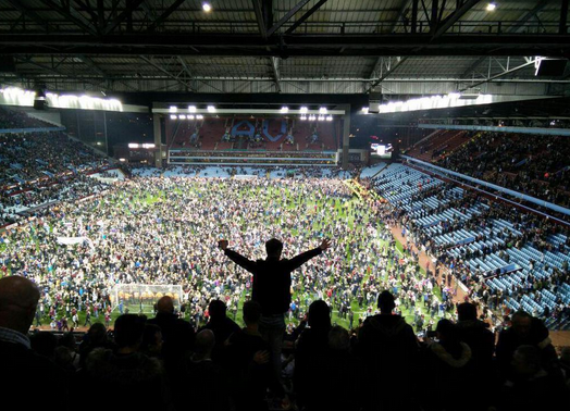 17 Men Arrested Following Aston Villa Pitch Invasion sdfghjk