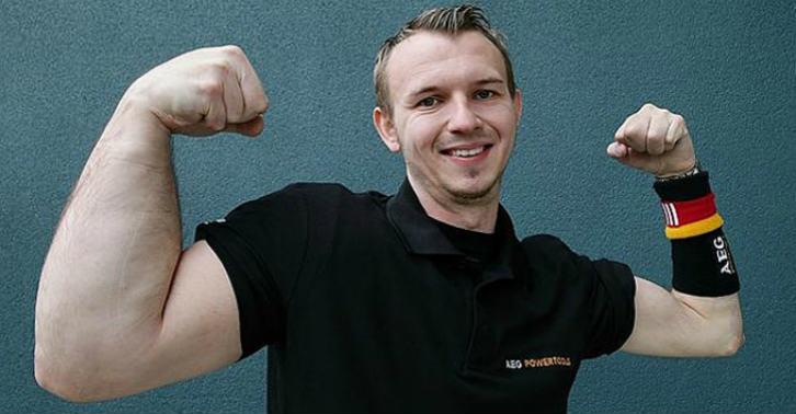 This Guy Was Born With His Arm 33% Bigger Than Normal, And Uses It To Become World Champion Arm Wrestler wedfs