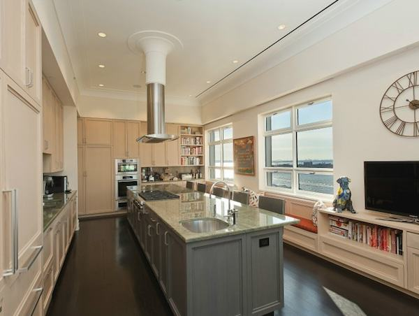 Couple To Sell Condo For $32 Million Because They Get Lost In It 1102
