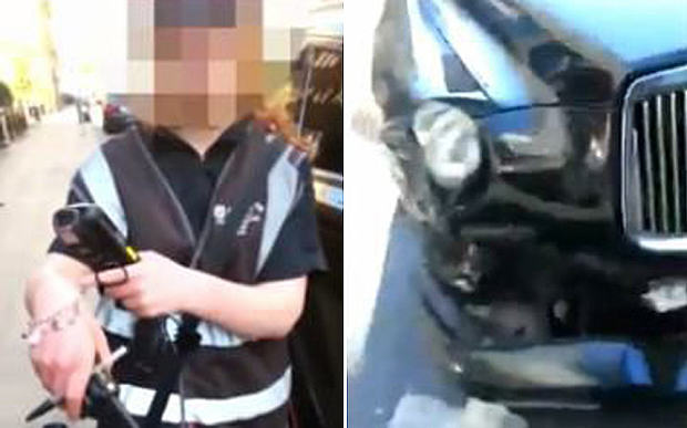 Traffic Warden Gives A Crashed Car A Ticket, Then Accuses The Guy Filming Of Hitting Her 1127