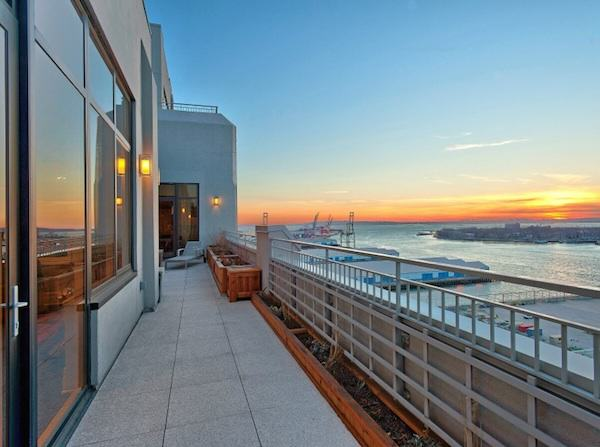 Couple To Sell Condo For $32 Million Because They Get Lost In It 635