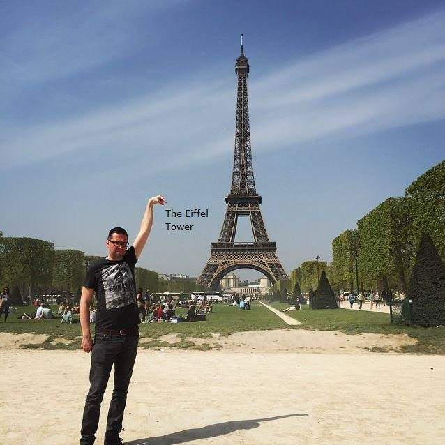 This Guy Posing Next To The Eiffel Tower Is The Latest Internet Craze 64