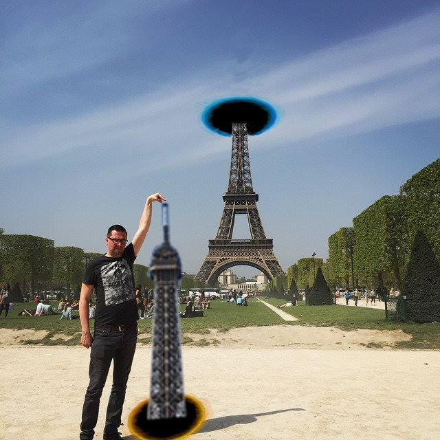 This Guy Posing Next To The Eiffel Tower Is The Latest Internet Craze 81