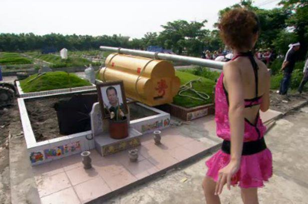 China To Stop Strippers Attending Funerals Funeral Strippers