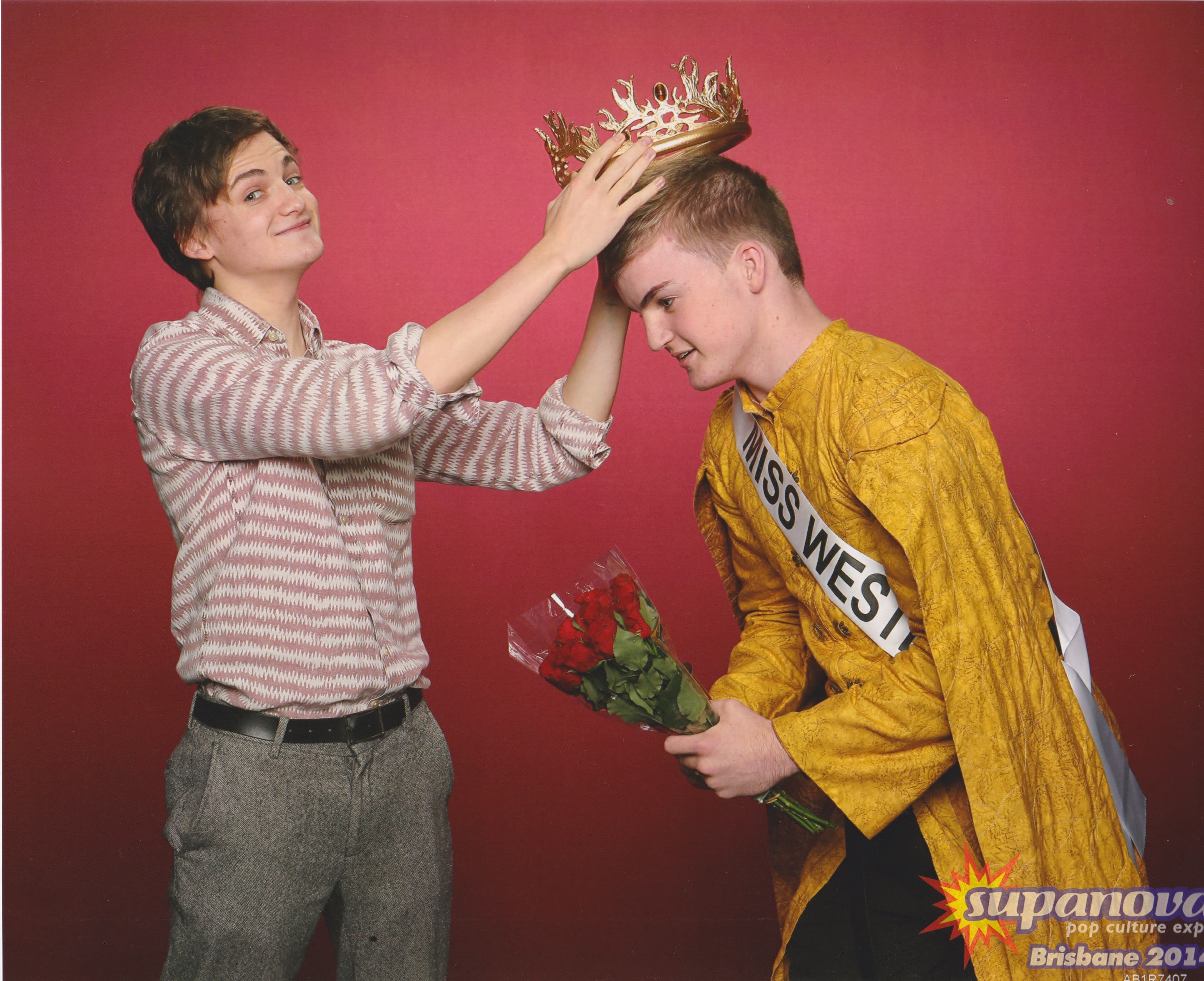 Lad That Looks Identical To King Joffrey Meets The Real Deal %name