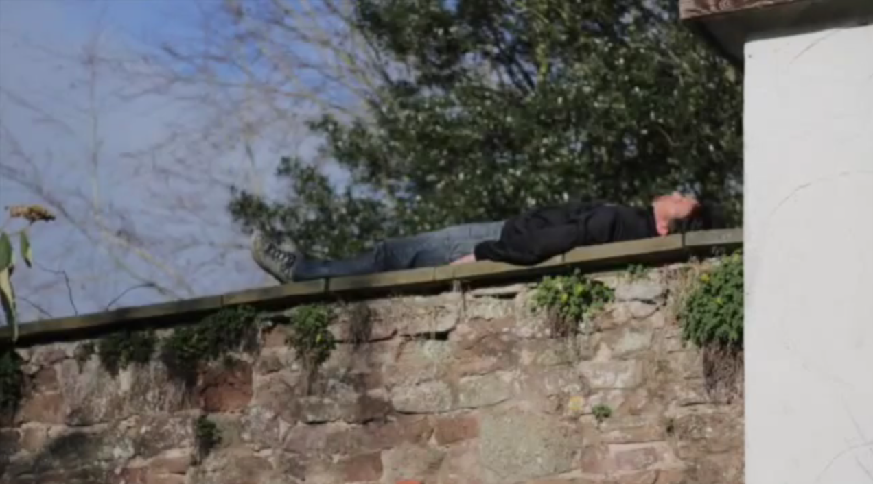 Post Top Gear Richard Hammond Is Bored And Proving It Screen Shot 2015 04 20 at 11.41.15