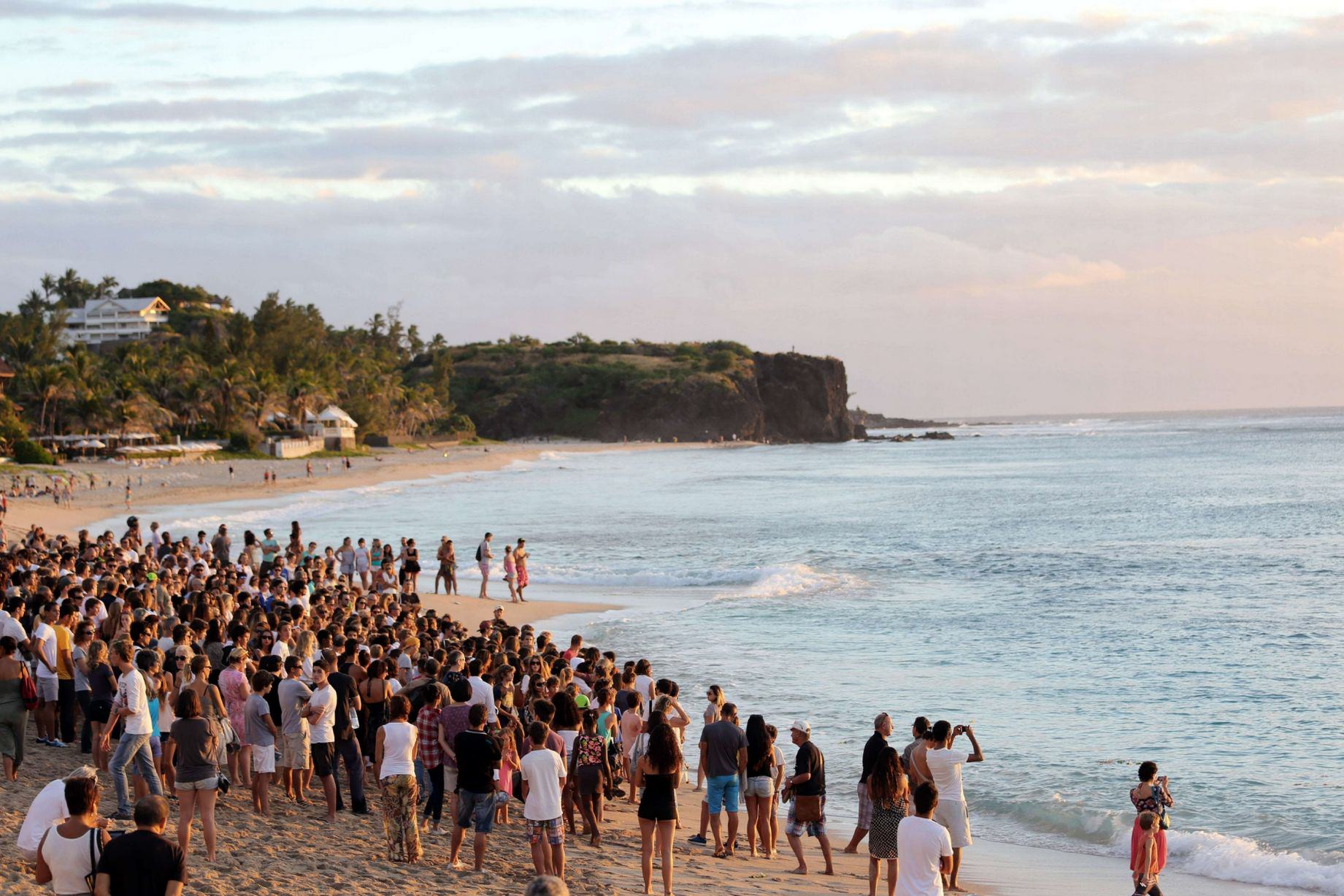 Hundreds Give Beachfront Tribute To Young Surfing Champ Killed By Shark Shark attack 1
