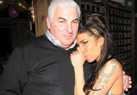 Amy Winehouses Dad Mitch Is Furious With Documentary About His Late Daughter amywinehouseweb