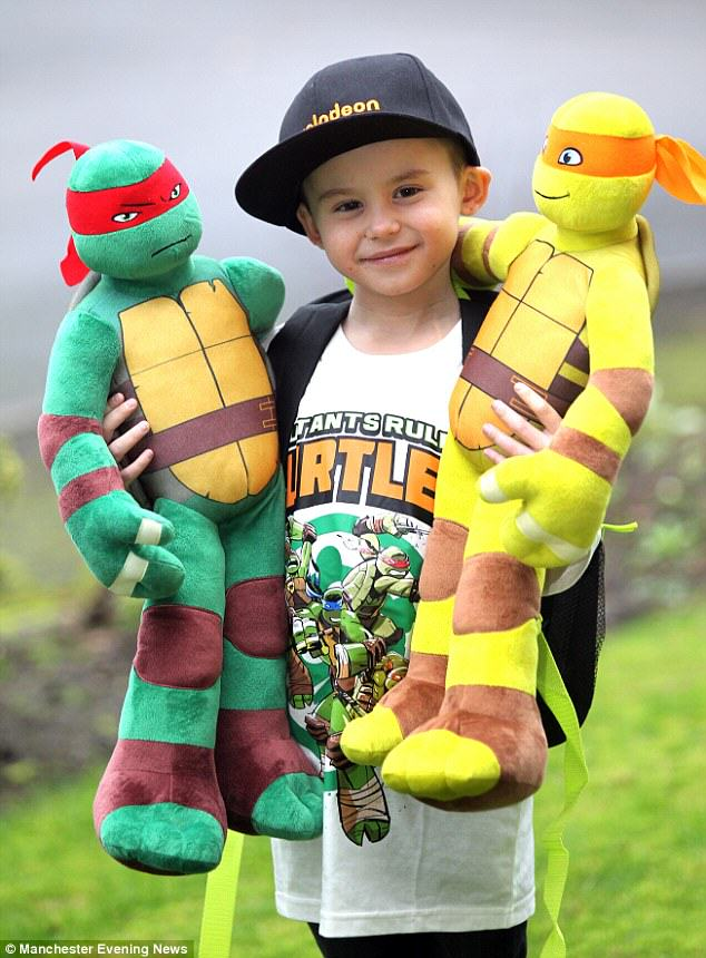 Boy Who Beat Cancer Dressed As Ninja Turtle For His Radiotherapy Treatment boy1