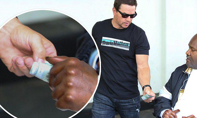 Mark Wahlberg Hands Homeless Man In Wheelchair $100 In Epic Act mark w