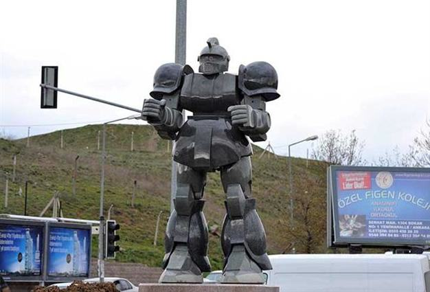 Mayor Sued After Blowing Budget On Giant Robot Statue n 80743 1