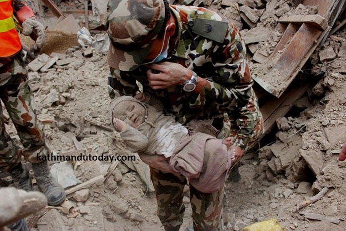 4 Month Old Baby Found Alive In Nepal Earthquake Rubble nepalbaby3