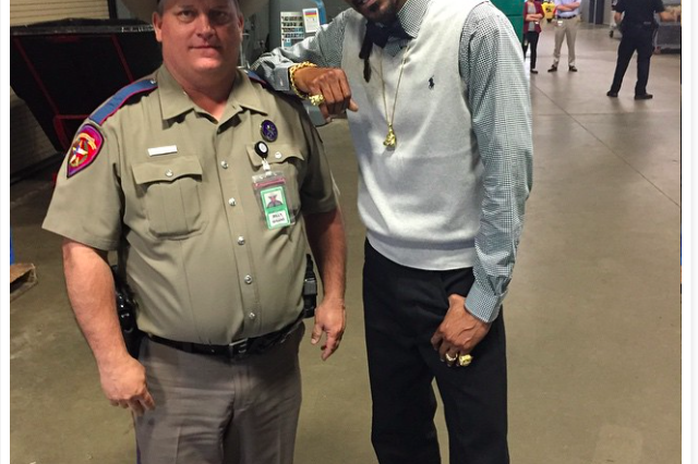 State Trooper Ordered To Take Counseling After Photo With Snoop Dogg At SXSW Surfaces snoop 640x426