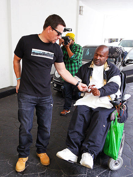 Mark Wahlberg Hands Homeless Man In Wheelchair $100 In Epic Act whalberg